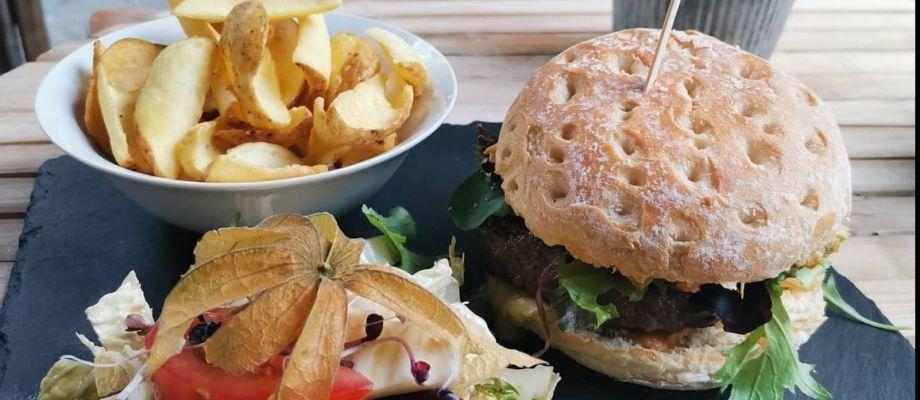 Restauration - Burger ardéchois.jpeg